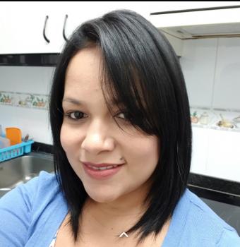 Yolanda C. Baby-sitters ou puériculteurs Ref: 370153